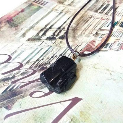 J084 گردنبند سنگ تورمالین سیاه