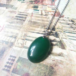 J 156 سنگ جید سبز بهبود باروری و بارداری ، پایداری ، خرد و آرامش ، تعادل و صلح